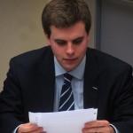 Un étudiant de l'équipe de French Debating Association de l'ILERI